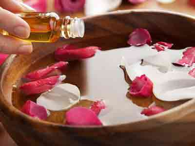 aromatherapy massage image gallery in red rose spa