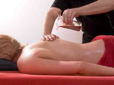 hot oil massage image gallery in red rose spa
